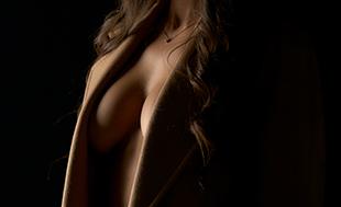 Breast lift (mastopexy) - model image 01