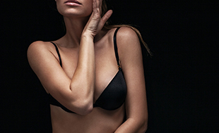 Cosmetic breast surgery complications - model image 01
